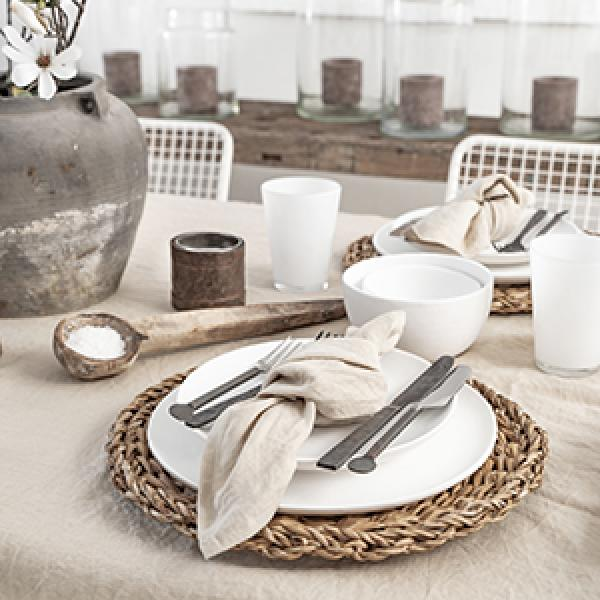 Rediscovering Beige: A Case for a Natural Linen Table Setting